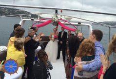 Teknede Düğün